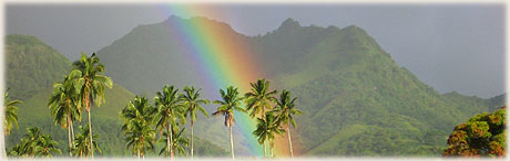 Rainbow in the mountains / People on Muri Beach (mouseover) photos: Archi