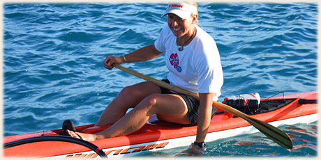 Bernie Murch / Club Wahine Toa / NZ - won the Round Raro OC1 Relay Race 05 / Photo by Archi